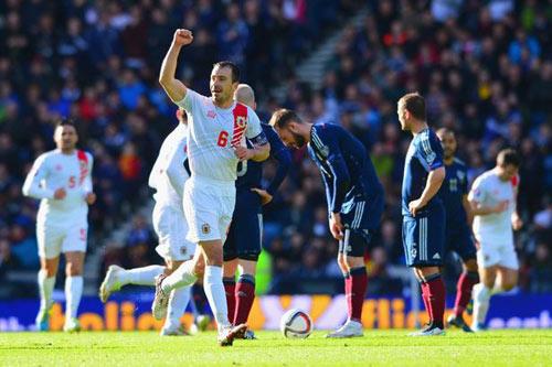Chàng cảnh sát ghi bàn thắng lịch sử tại vòng loại Euro - 2