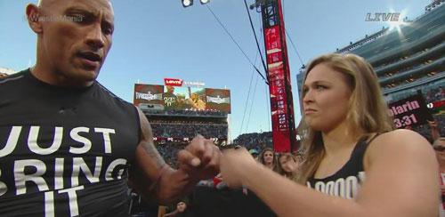 The Rock và Nữ hoàng UFC gây sốt khi cùng thượng đài - 1