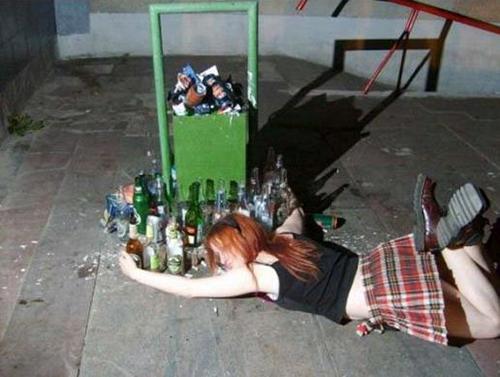 """""""Bó tay"""" với những cô nàng say xỉn - 8"""