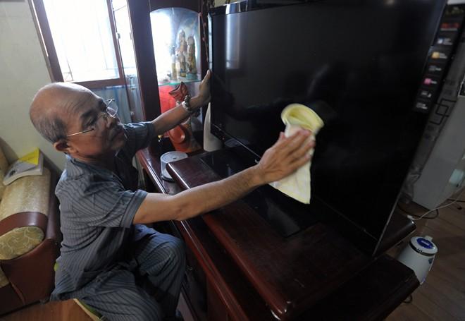 Nghệ sỹ Hán Văn Tình tập kịch ở nhà sau điều trị ung thư - 6