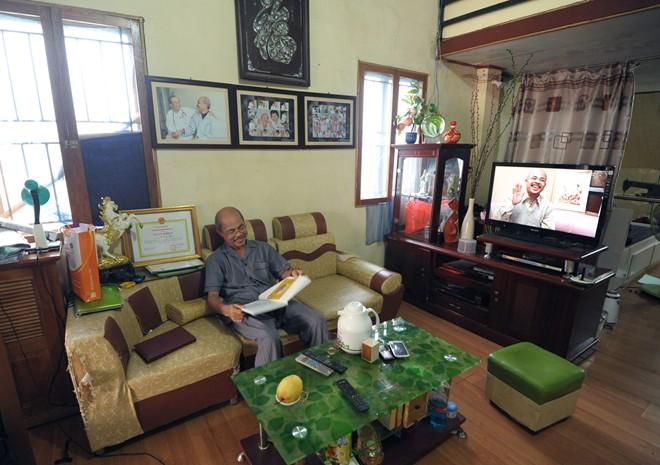 Nghệ sỹ Hán Văn Tình tập kịch ở nhà sau điều trị ung thư - 9