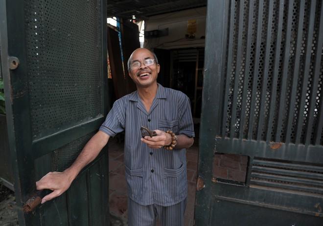 Nghệ sỹ Hán Văn Tình tập kịch ở nhà sau điều trị ung thư - 1