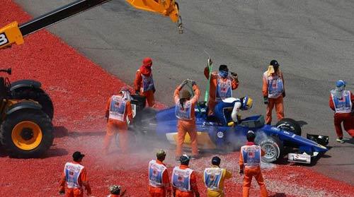 Malaysian GP: Nước mắt Vettel, nụ cười Ferrari - 1