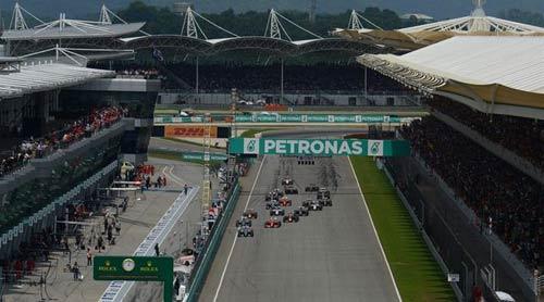 Malaysian GP: Nước mắt Vettel, nụ cười Ferrari - 2