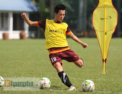 """Xem Tuấn Anh, Văn Toàn...tập """"bắn"""" chờ U23 Macau - 12"""