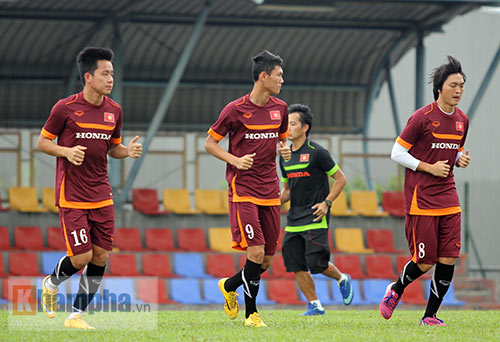 """Xem Tuấn Anh, Văn Toàn...tập """"bắn"""" chờ U23 Macau - 8"""
