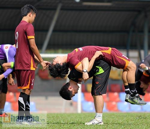 """Xem Tuấn Anh, Văn Toàn...tập """"bắn"""" chờ U23 Macau - 6"""