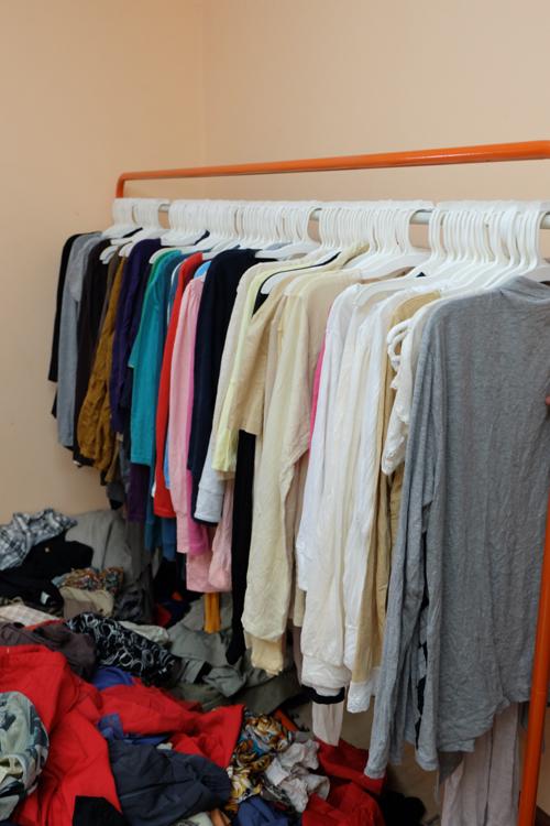 """""""Buôn may bán đắt"""" nhờ quần áo cũ online - 9"""
