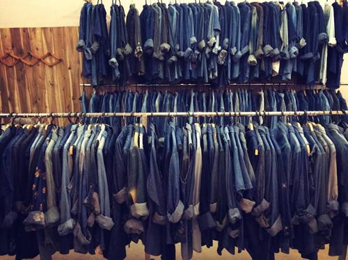 """""""Buôn may bán đắt"""" nhờ quần áo cũ online - 10"""