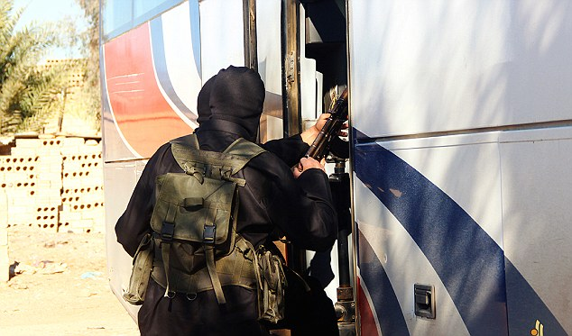Khóa sát thủ đầu tiên của IS tốt nghiệp trường khủng bố - 4