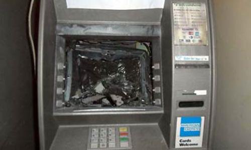 Truy bắt nhóm người nước ngoài phá máy ATM, trộm tiền - 1
