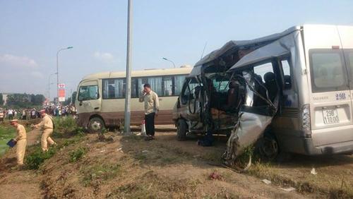 Vụ tai nạn 5 người tử vong: Con bơ vơ bên quan tài bố mẹ - 5