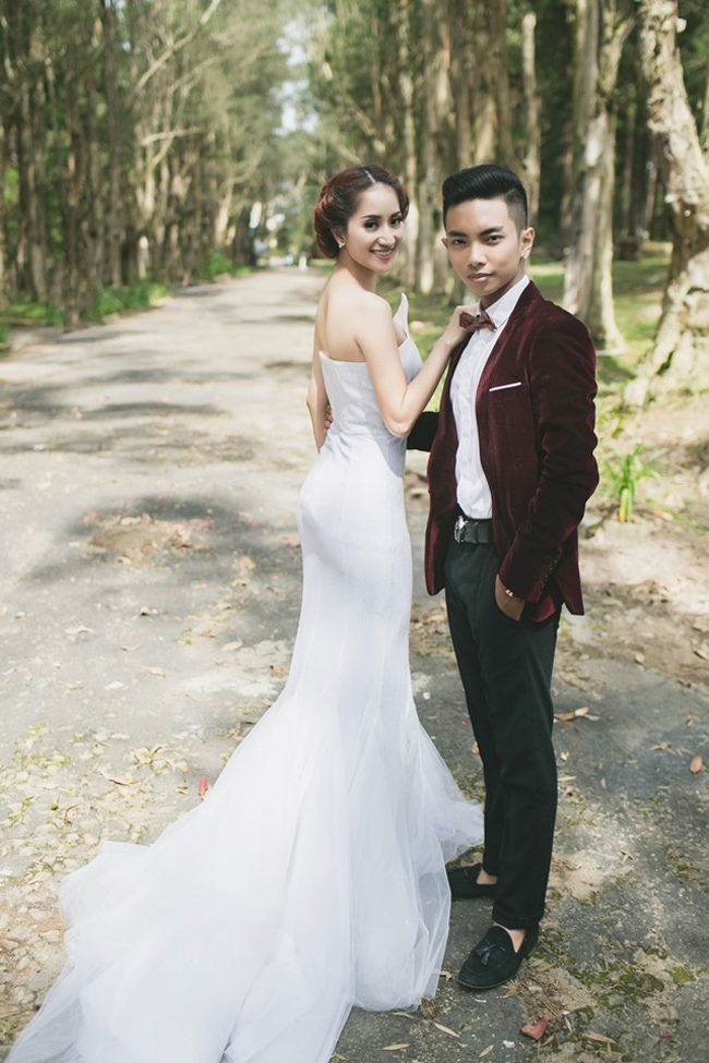 'Nghi án' Khánh Thi có bầu và chuẩn bị làm lễ cưới với học trò 9x Phan Hiển đang xôn xao dư luận.