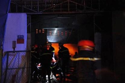 TP.HCM: Cháy dữ dội tại công ty nệm mút - 2