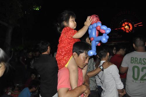 Pháo hoa rực sáng trên bầu trời Sài Gòn, Đà Nẵng - 9