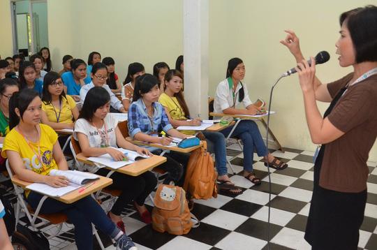 Đời sống giáo viên tại TP HCM không tệ - 1