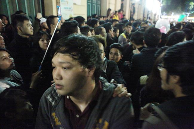 Video: Đêm giao thừa nghẹt thở ở Hồ Gươm - 4