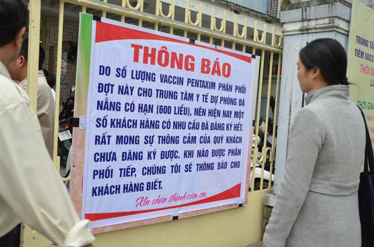 Đà Nẵng: Trắng đêm chờ bốc phiếu tiêm vắc-xin - 4