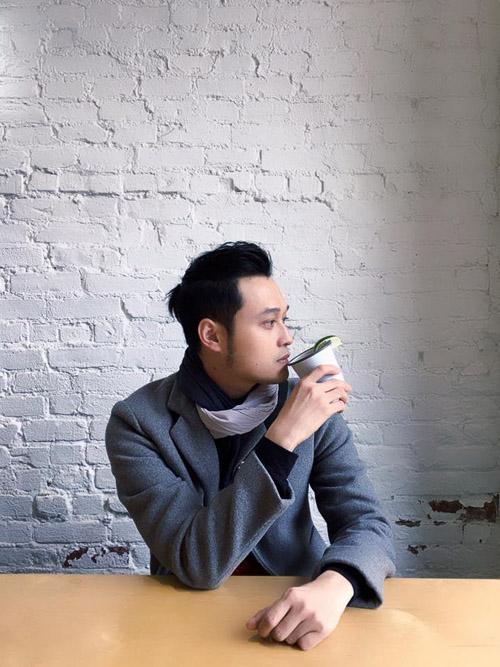 """Facebook sao 1/1: Hà Hồ đón năm mới bên """"trai lạ"""" - 8"""