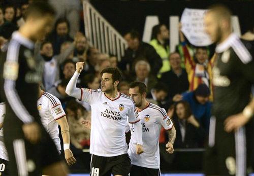 Trước V18 La Liga: Barca đá derby, Real gặp khó - 1