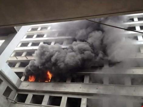 Cháy ở công trình Bệnh viện Bệnh Nhiệt đới Trung ương - 2
