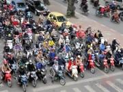 Bản tin 113 - Từ hôm nay, tạm dừng thu phí đường bộ xe máy