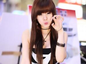 Ngắm dàn hotgirl xứ Hàn xinh đẹp và sexy bên xe
