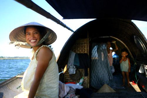 Ảnh: Cuộc sống bình dị trên phá Tam Giang - 3