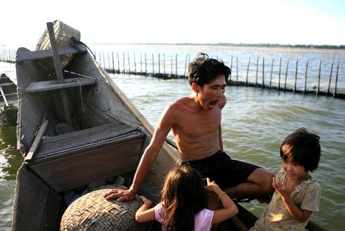 Ảnh: Cuộc sống bình dị trên phá Tam Giang - 4