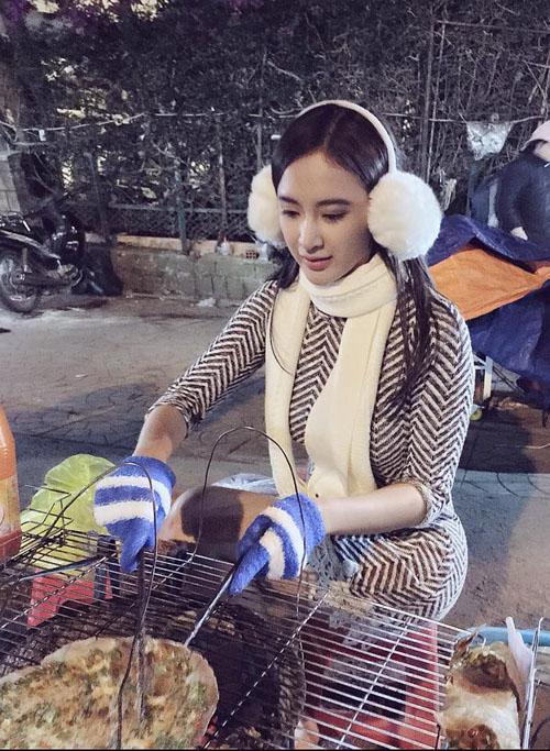 Facebook sao 2/1: Hoa hậu Kỳ Duyên mặc phản cảm đi chùa - 3