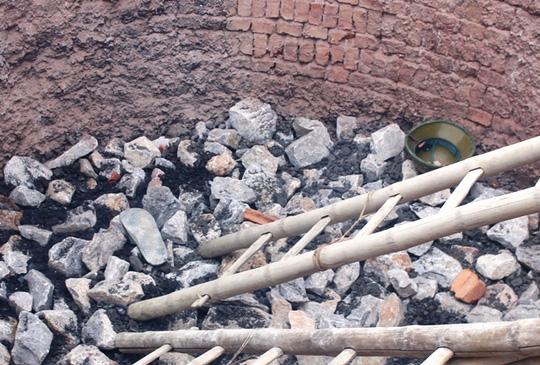 Bên trong lò vôi vụ 8 người chết do ngạt khí ở Thanh Hóa - 7