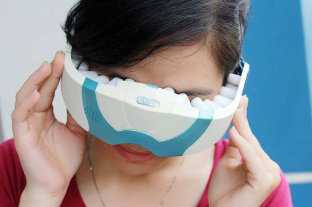 Cẩn trọng với máy massage điều trị cận thị - 1
