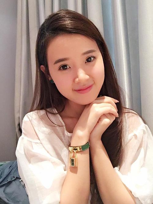 Facebook sao 3/1: Dương Triệu Vũ 'thơm' má Mr Đàm - 14