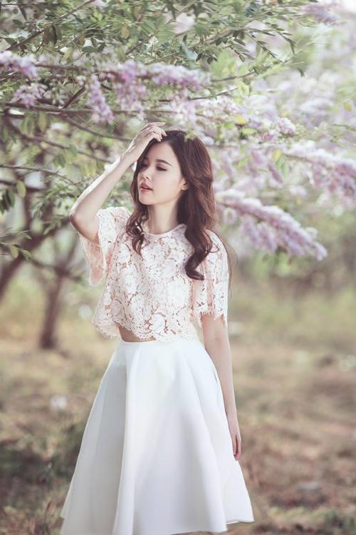Midu đẹp rạng rỡ giữa rừng hoa anh đào - 6