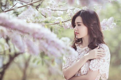 Midu đẹp rạng rỡ giữa rừng hoa anh đào - 9