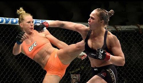 BXH UFC 4/1: Rousey thua trận vẫn đứng trên Holm - 1