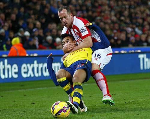 """Arsenal: Vượt khó tháng 1 là qua được """"cửa tử"""" - 1"""