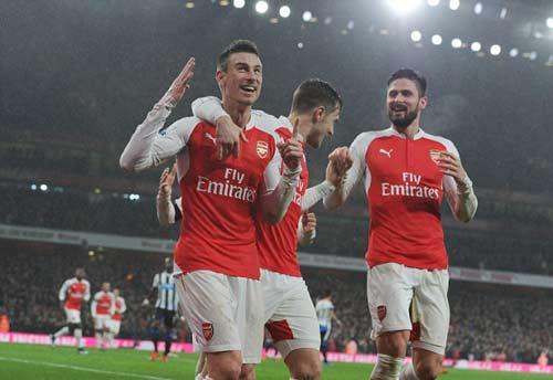 """Arsenal: Vượt khó tháng 1 là qua được """"cửa tử"""" - 2"""