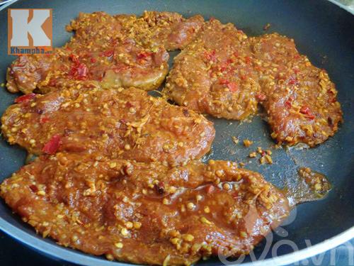 Làm thịt bò khô để dành ăn Tết - 4