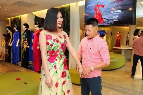 Hé lộ trang phục cưới 'rồng phượng' của Vân Trang - 6