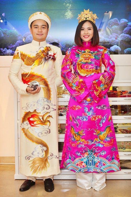 Hé lộ trang phục cưới 'rồng phượng' của Vân Trang - 8