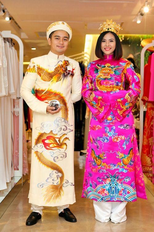 Hé lộ trang phục cưới 'rồng phượng' của Vân Trang - 9