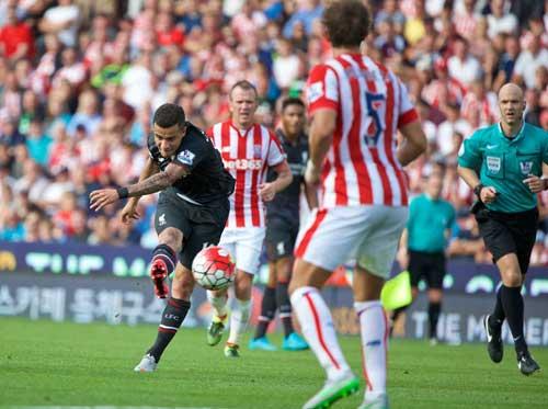 Stoke City – Liverpool: Đi dễ khó về - 2