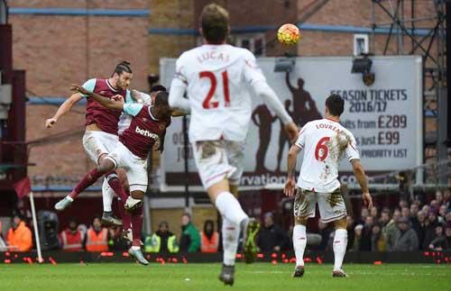 Stoke City – Liverpool: Đi dễ khó về - 1