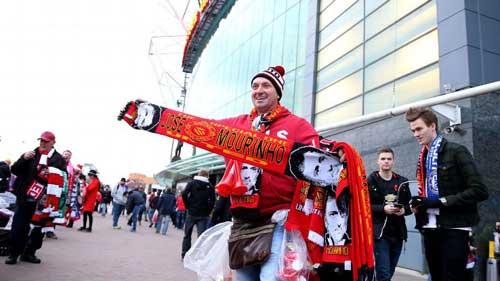Mourinho mệt mỏi vì chờ đợi được dẫn dắt MU - 1