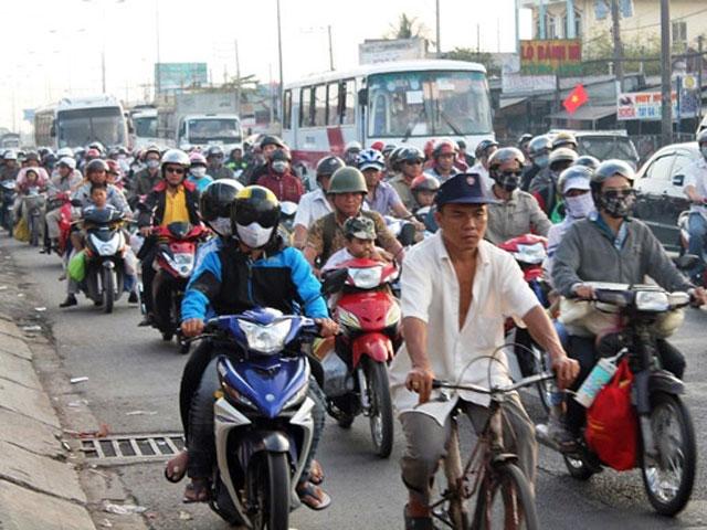 Mỗi ngày dân Sài Gòn sắm 100 ô tô, 1000 xe máy - 1