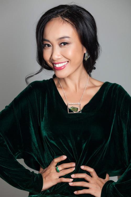 Đoan Trang khoe vẻ đẹp quý phái với trang sức 'độc, lạ' - 6