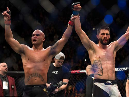 UFC: 2 lần vô địch, 2 lần đổ máu đẫm mặt - 4