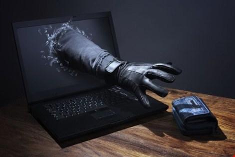 """Công an TPHCM cảnh báo bẫy """"mê giai thích quà"""" trên mạng - 1"""