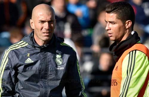 Zidane mâu thuẫn CR7, Real bị loại khỏi cúp C1 - 2